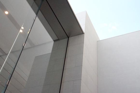 Apple Store表参道の屋根を支えている部分